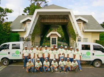 Equipe de Jardineiros - Jair Pinheiro Paisagismo